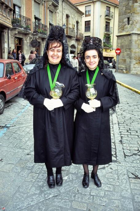 Deux femmes, Semaine sainte
