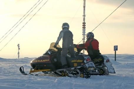 Motoneige à Luosto, Laponie