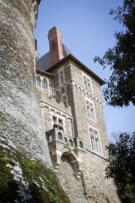 Chateau en contre-plongee