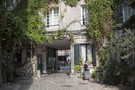 Cour, Paris
