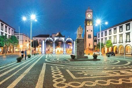 Les Portes de la Ville de Ponta Delgada